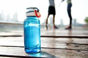 Илюстративна снимка - бутилка вода
